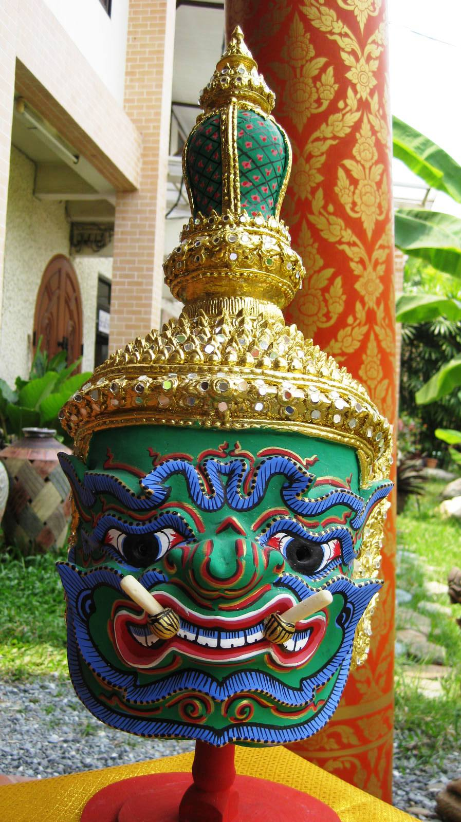 Phra Pipek Khon Mask
