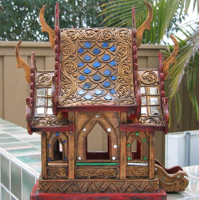 Nongnit's Treasures: Thai Spirit Houses Saan Pra Phum