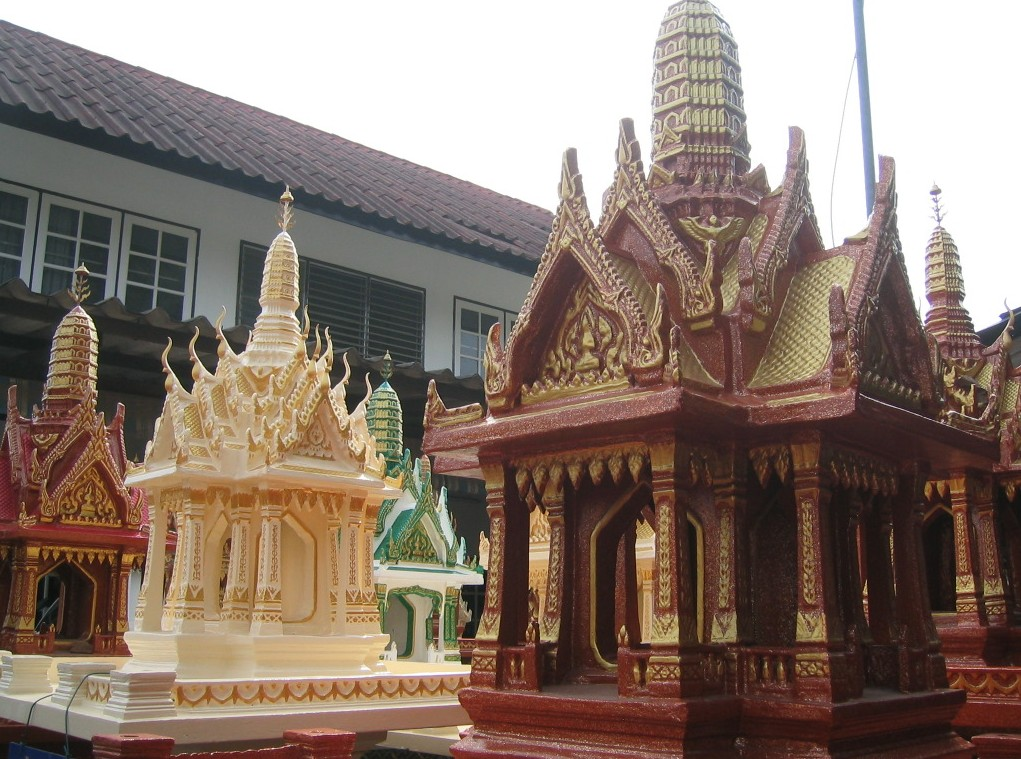 how to make a thai spirit house