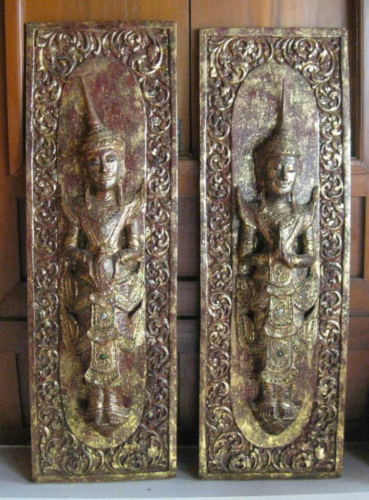 Pair of Standing Teppanom Panels